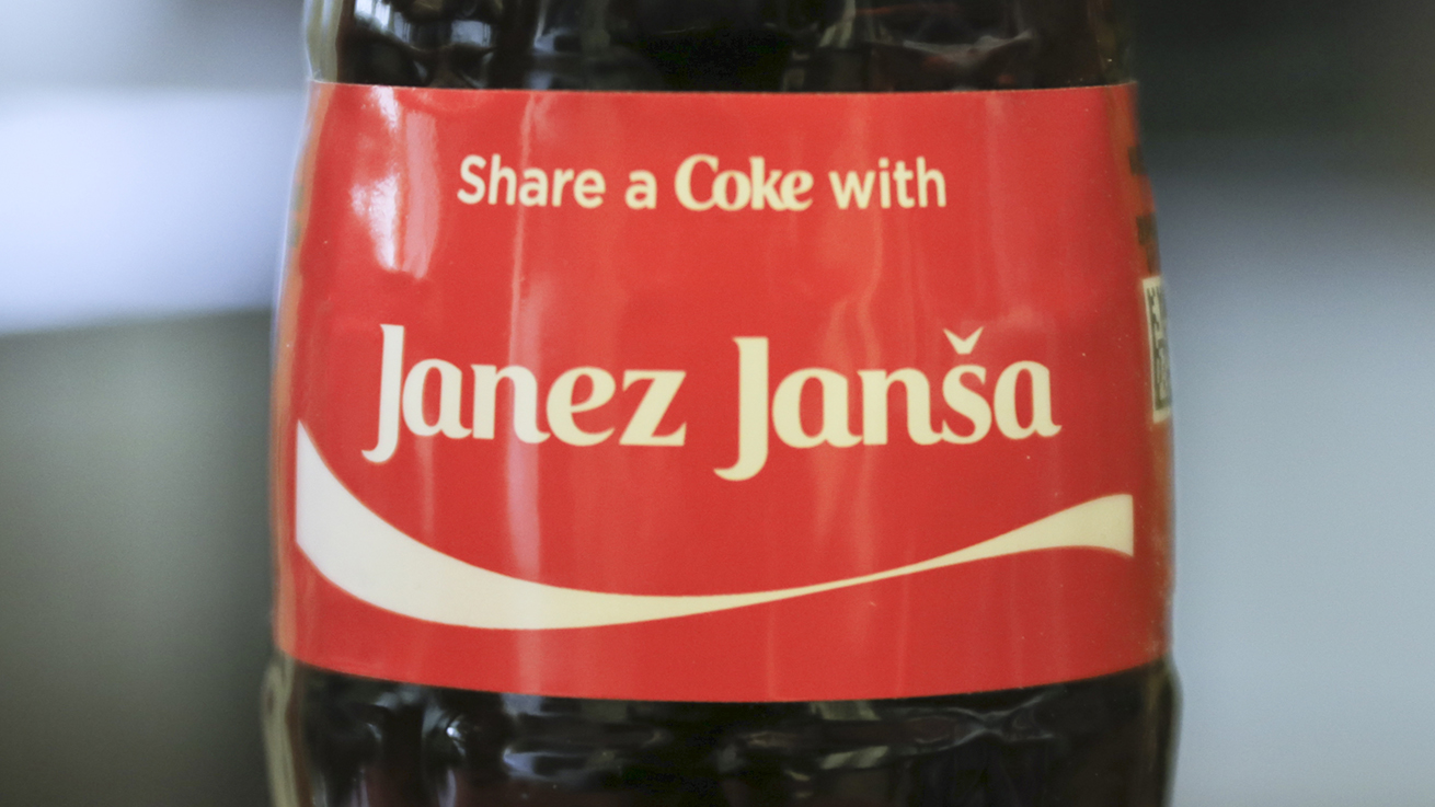 01_350-janez-jansa-bottles